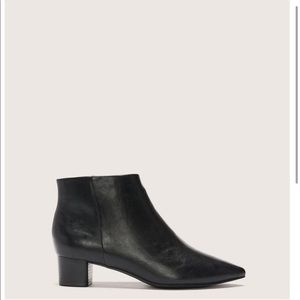 Addition Elle black booties size 9W